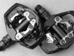 Best Clipless Road Bike Pedals- Ride Fast & Efficiently!